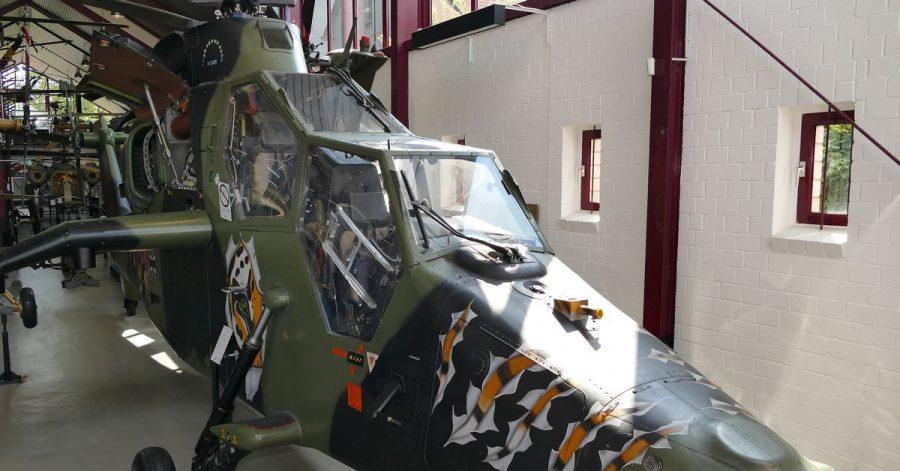 Im Hubschraubermuseum steht ein Kampfhubschrauber vom Typ Tiger von Eurocopter. Das Museum wird 50 Jahre alt.