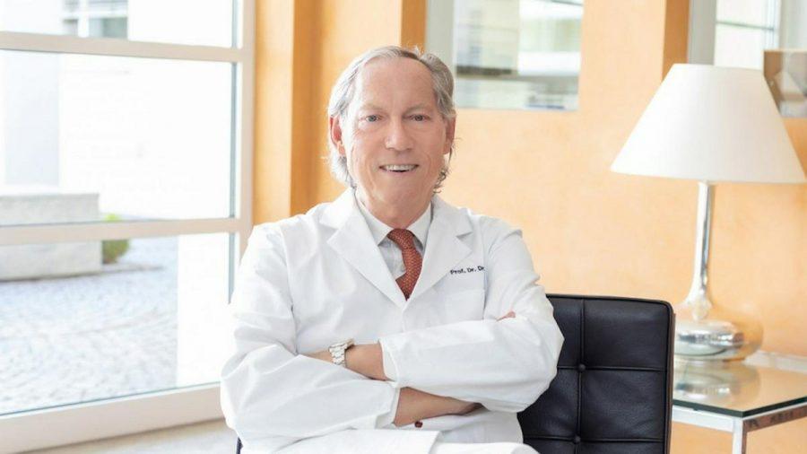 Prof. Dr. Mang ist seit mehr als 30 Jahren als Schönheitschirurg tätig. (sob/spot)