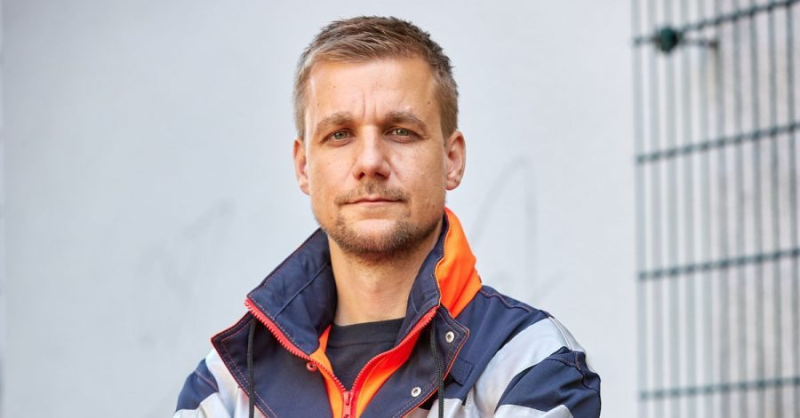 Nach zweieinhalb Wochen im Einsatz an Bord des Seenotrettungsschiffes «Sea-Eye 4» auf dem Mittelmeer hat sich Tobias Schlegl  zu seinen eindrücklichen Erlebnissen geäußert.