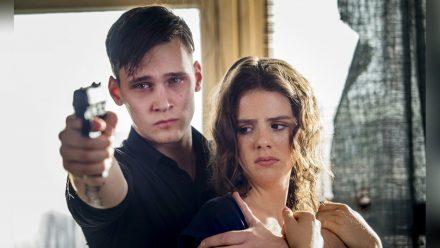 """""""Tatort: Kartenhaus"""": Adrian Tarrach (Rick Okon) träumt von einer gemeinsamen Zukunft mit Laura (Ruby O. Fee). Dafür nimmt er fast jedes Risiko in Kauf.  (ili/spot)"""