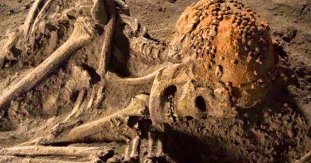 In einer Grabstelle in den  den norditalienischen Grimaldi-Höhlen wurde die «Frau von Cavillon» gefunden.