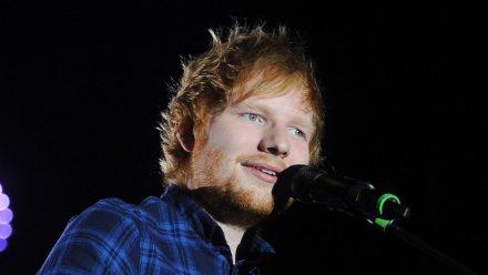 Ed Sheeran, hier während eines Auftritts in Prag, veröffentlicht 2021 ein neues Album. (wue/spot)
