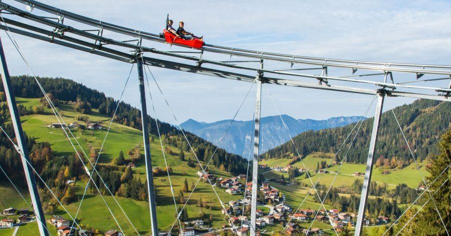 Das Familienerlebnis Drachental Wildschönau bietet eine rasante Sommerrodelbahn.
