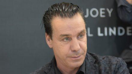Till Lindemann gibt 2022 sein Wacken-Debüt. (nra/spot)