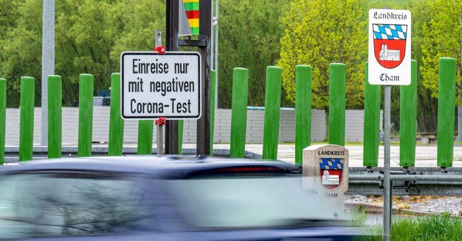 Wer aus Tschechien auf dem Landweg nach Deutschland kommt, muss ab Sonntag keinerlei Einreisebeschränkungen wegen Corona mehr beachten.