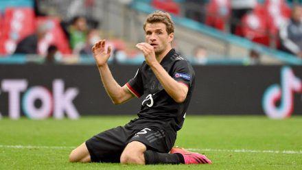 Thomas Müller nach der vertanen Chance im EM-Achtelfinalspiel. (ili/spot)