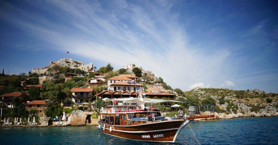 UrlaubszielKekova in der Türkei:Für die Einreise aus Deutschland reicht nun auch ein Corona-Antigen-Schnelltest, der nicht älter als 48 Stunden sein darf, aus.