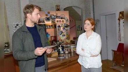 """GZSZ"": Toni ist erleichtert, dass Bastian sie bei den Ermittlungen unterstützen will. (cg/spot)"