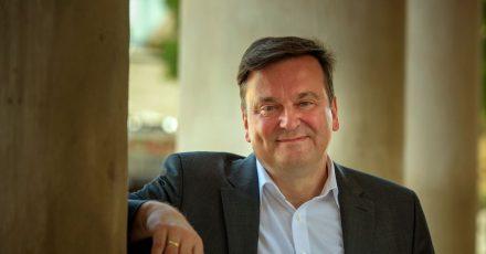 Andreas Wolf wird ab der Spielzeit 2021/2022 erster Kapellmeister des Deutschen Nationaltheaters und der Staatskapelle Weimar.