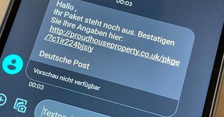 Finger weg: Wer solche oder ähnliche SMS bekommt, löscht sie besser sofort und klickt keinesfalls auf Links.
