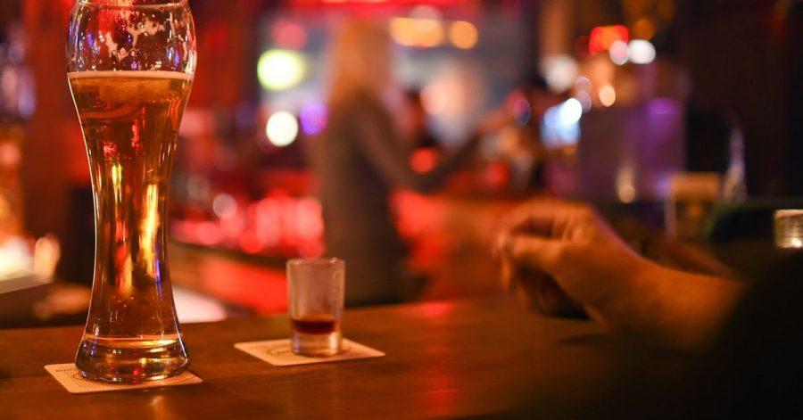Übermäßiger Alkoholkonsum wird von vielen Jugendlichen heute als uncool angesehen.