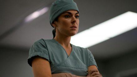 "Serinda Swan als Dr. Jenny Cooper in ""Coroner - Fachgebiet Mord"". (stk/spot)"