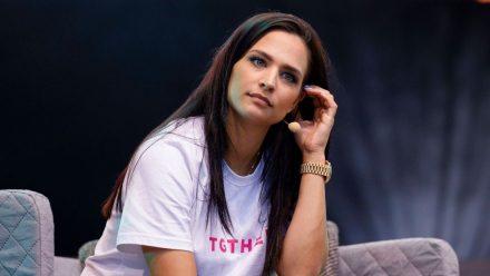 Amira Pocher geschockt: Follower wünschen ihr Vergewaltigung!
