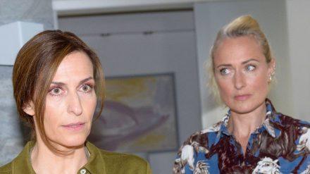 """Katrin (Ulrike Frank) und Maren (Eva Mona Rodekirchen) bei """"Gute Zeiten, schlechte Zeiten"""". (nra/spot)"""