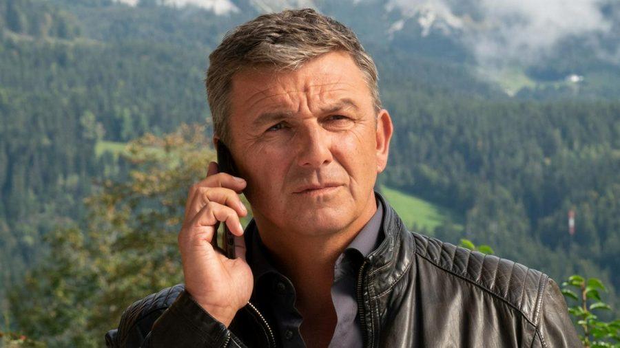 Der Bergdoktor Hans Sigl ist wieder bei der Arbeit (mia/spot)