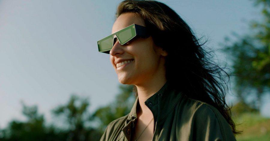 Immer mehr Unternehmen arbeiten an Augmented-Reality-Brillen. Die Macher der Foto-App Snapchat haben als erste in der Tech-Branche mit der «Spectacles» eine alltagstaugliche Computerbrille vorgestellt, mit der sich digitale Inhalte ins Blickfeld des Nutzers einblenden lassen.