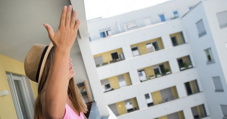 Niemand kann seine Wohnung oder den Balkon geräuschlos nutzen. Aber trotzdem sollte man Rücksicht auf seine Nachbarn nehmen.