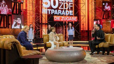 """""""50 Jahre ZDF-Hitparade - Die Zugabe"""" mit Thomas Gottschalk (l.), Paola Felix und Bülent Ceylan. (ili/spot)"""