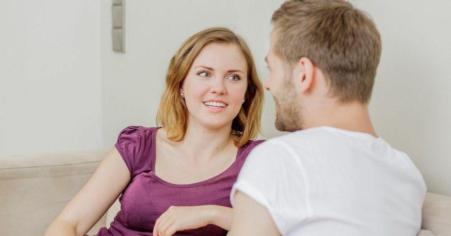Wenn man sich zu einem Gespräch über Sex verabredet, sollte man auch für eine ungestörte Atmosphäre sorgen.