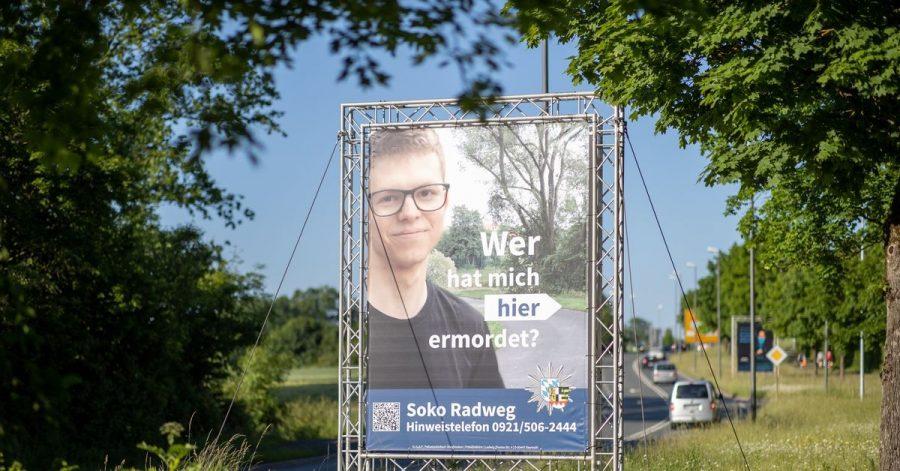 Auch eine Ausstrahlung in der ZDF-Sendung «Aktenzeichen XY... ungelöst» brachte keine Erkenntnisse: Jetzt sollen Plakate helfen, den Mord an einem 24-Jährigen aus Bayreuth aufzuklären.