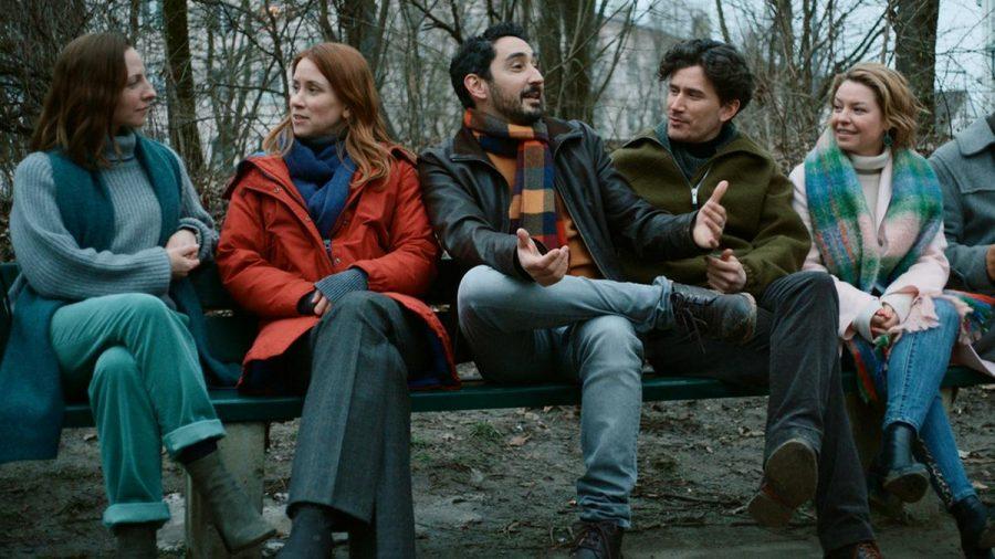 "Eko Fresh (m.) spielt in ""Das Streben nach Glück"" Firat Bozoklu. (jom/spot)"