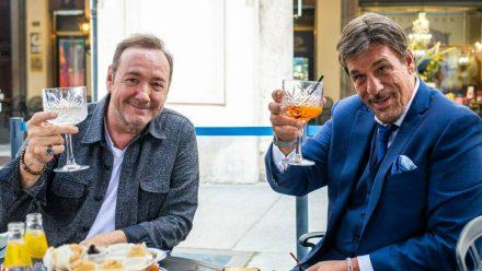 Schauspieler Kevin Spacey (l.) und Robert Davi in Turin (aha/spot)