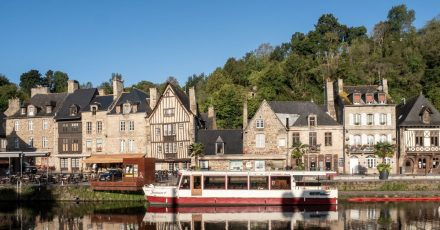Das Rance-Tal - hier unterhalb von Dinan - ist eine sehenswerte Gegend in der Bretagne.