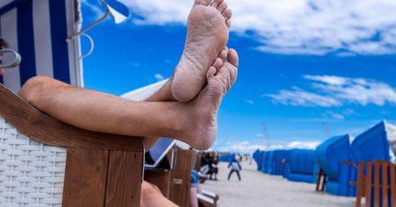 Füße hochlegen und den Urlaub genießen: Das wünschen sich viele.