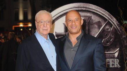 """Michael Caine (l.) und Vin Diesel bei der Premiere von """"The Last Witch Hunter"""" 2015 (tae/spot)"""