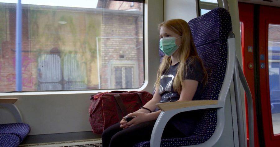 Ein «Pendelkind» im Zug.