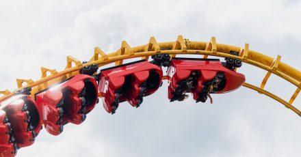 Die Achterbahn «Boomerang» im Freizeitpark Geiselwind.