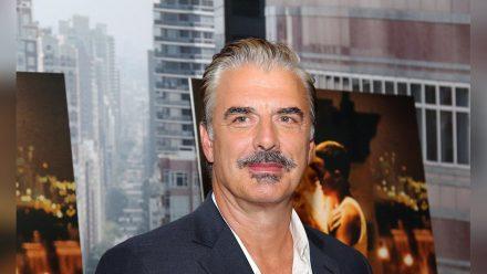 """Chris Noth wurde einem weltweiten Publikum dank seiner Rolle in """"Sex and the City"""" als """"Mr. Big"""" bekannt. (stk/spot)"""