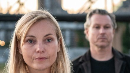 """""""Gegen die Angst"""": Judith Schrader (Nadja Uhl) und Jochen Montag (Dirk Borchardt) fragen sich, ob sich ihr Einsatz gelohnt hat. (cg/spot)"""
