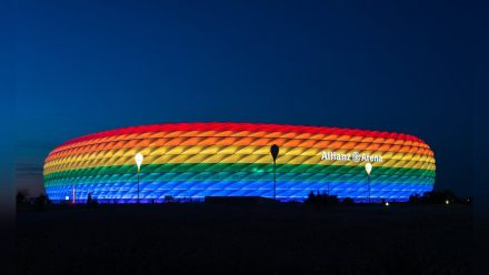 So darf die Allianz Arena in München am Mittwochabend nicht aussehen, hat die UEFA beschlossen. (mia/spot)
