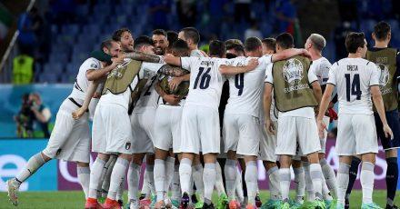 Feierstimmung in Rom:Italien startet mit einem klaren Sieg gegen die Türkei in die EM.
