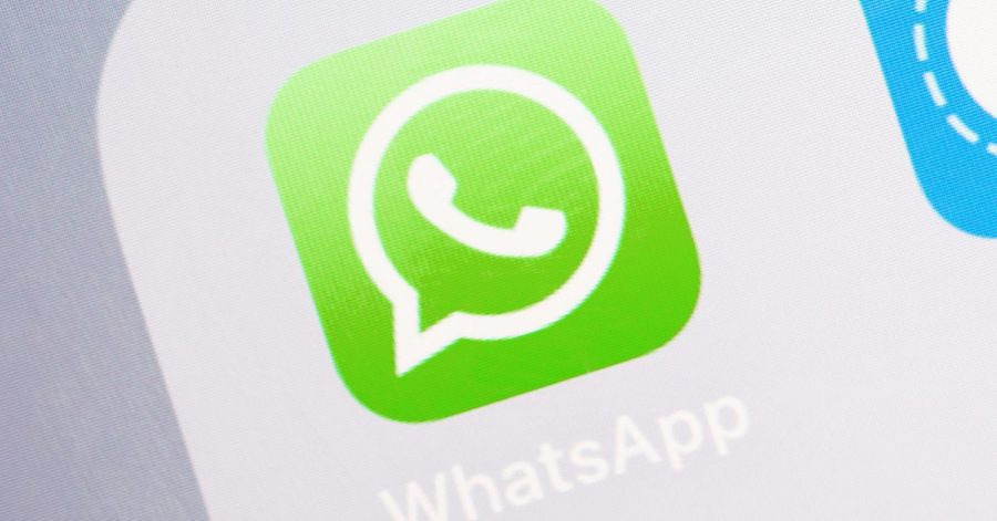 Skeptisch sein: Wer aktuell per Whatsapp die Aufforderung von Freunden bekommt, ihnen einen Zahlencode zurückzusenden, sollte das nicht tun.