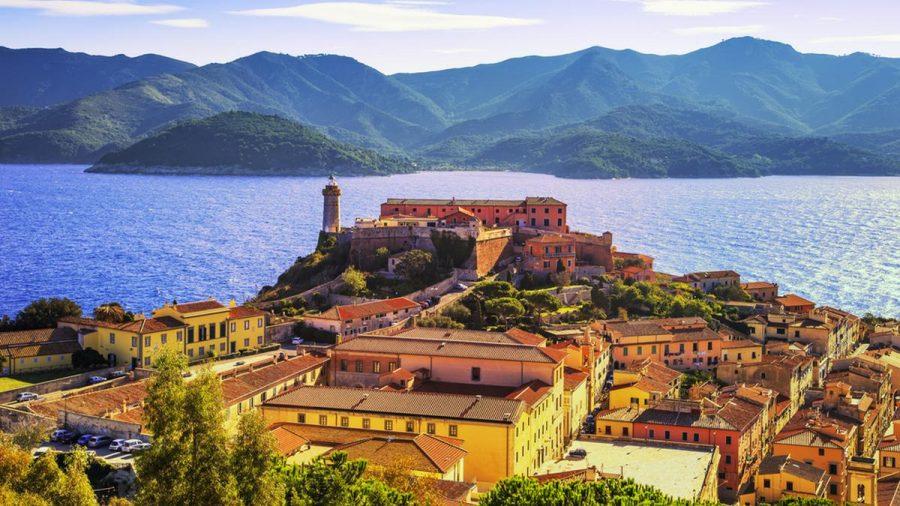 Die italienische Insel Elba putzt sich für das Jubiläum heraus (amw/spot)