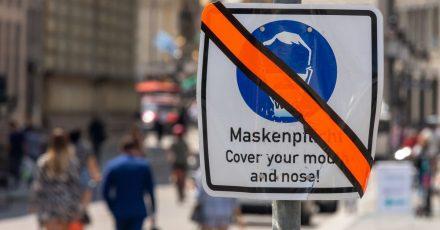 Mehrere Bundesländer beschlossen, die Maskenpflicht im Freien zu beenden. Sie soll nur noch in Ausnahmefällen gelten.