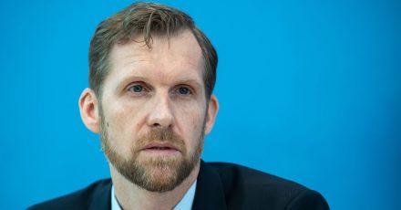 Leif Erik Sander ist Leiter der Forschungsgruppe für Infektionsimmunologie und Impfstoff-Forschung der Berliner Charite.