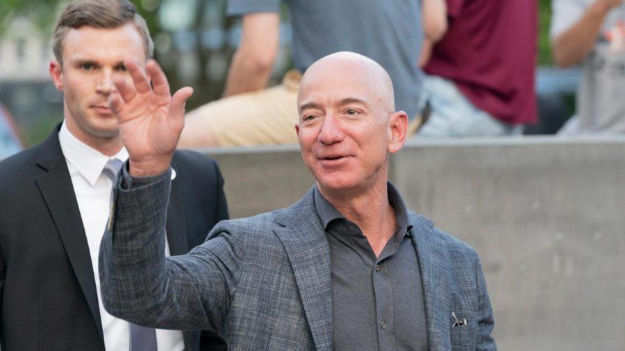 Jeff Bezos, hier im Jahr 2019, wird schon sehr bald ins All fliegen. (wue/spot)
