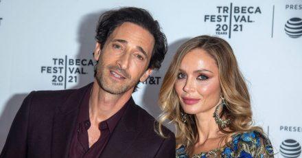 Die Ex-Frau des früheren Hollywood-Moguls Weinstein, Georgina Chapman, mit ihrem neuen Partner, Schauspieler Adrin Brody, bei der Ankunft auf dem roten Teppich vom New Yorker Tribeca Festival.