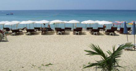 Thailand will geimpften Reisenden ab Juli wieder einen quarantänefreien Aufenthalt auf der Ferieninsel Phuket ermöglichen.
