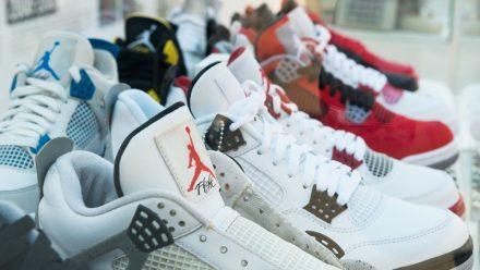 DAS sind die 10 teuersten Sneaker aller Zeiten!