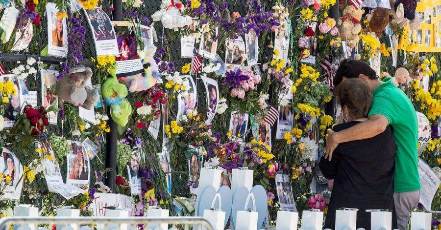 Die Gedenkwand für die Opfer des Hauseinsturzes in Florida.