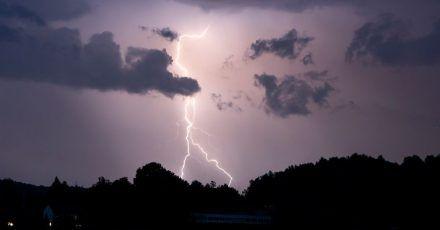 Vergangenes Jahr gab es in Deutschland knapp 400.000 Blitzeinschläge.