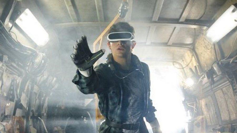 """Ready Player One"": Wade Watts (Tye Sheridan) geht auf eine virtuelle Schnitzeljagd. (cg/spot)"