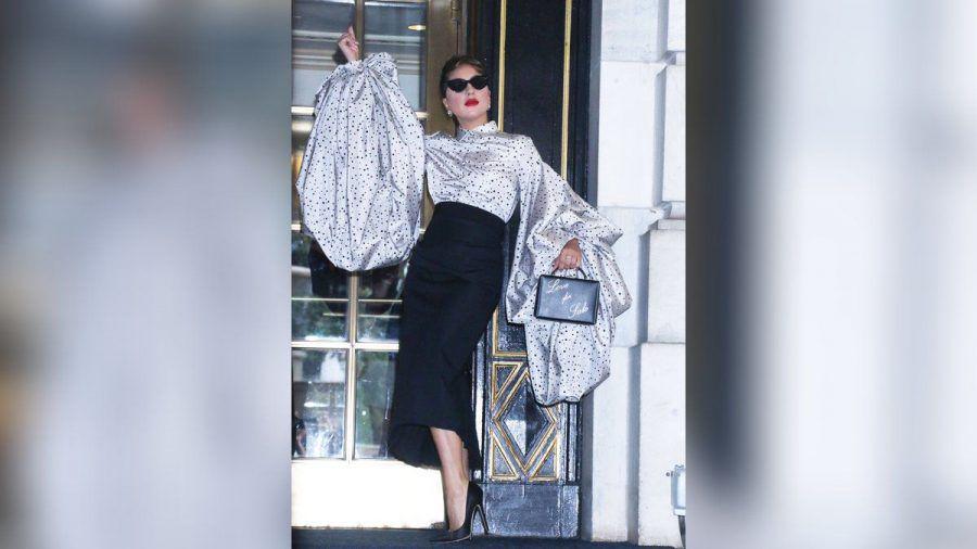 Lady Gaga vor dem Plaza Hotel in New York. (jom/spot)
