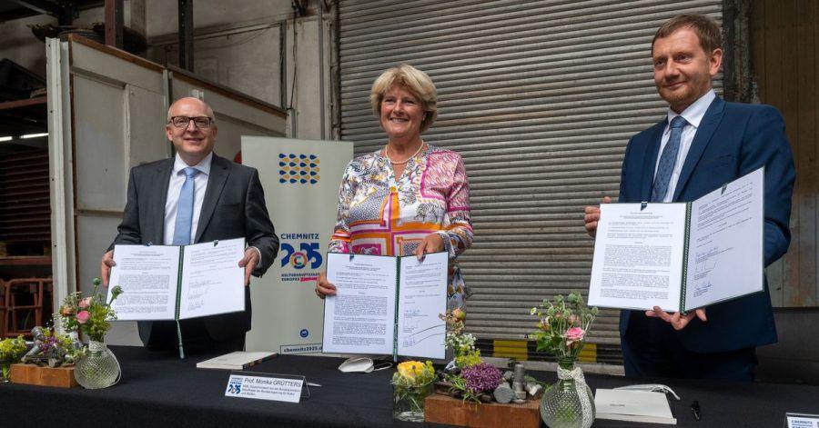 Oberbürgermeister Sven Schulze, Monika Grütters  und Mininsterpräsident Michael Kretschmer in Chemnitz.