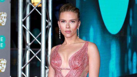 """Scarlett Johansson verklagt Disney, weil """"Black Widow"""" gleichzeitig im Kino und auf dem Streaming-Portal Disney+ gestartet ist. (wue/spot)"""