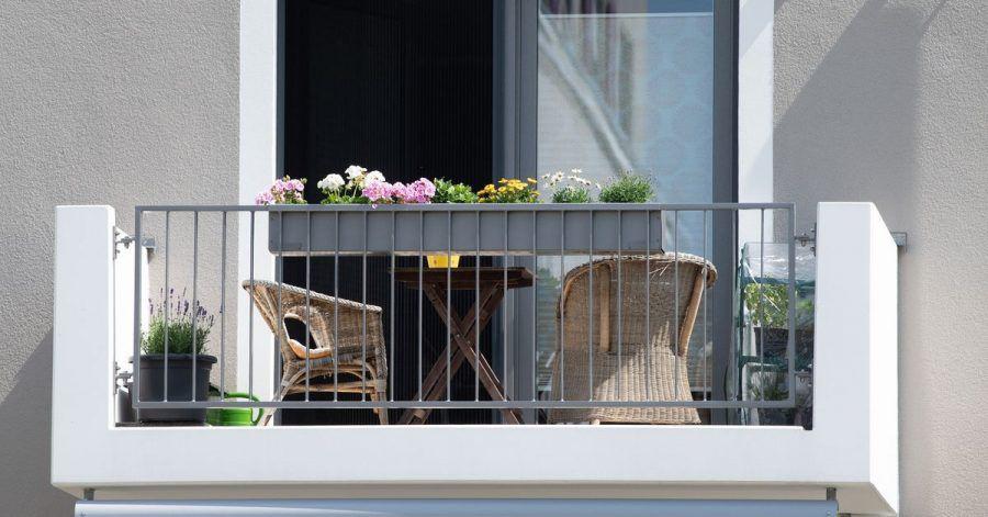 Der Schutz der Hausratversicherung greift nicht nur drinnen. Auch Hausrat auf dem Balkon ist grundsätzlich geschützt.